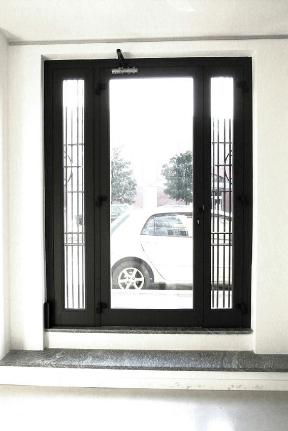 ingresso via Pietrasanta 8