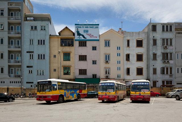 Hanoi bus station.jpg