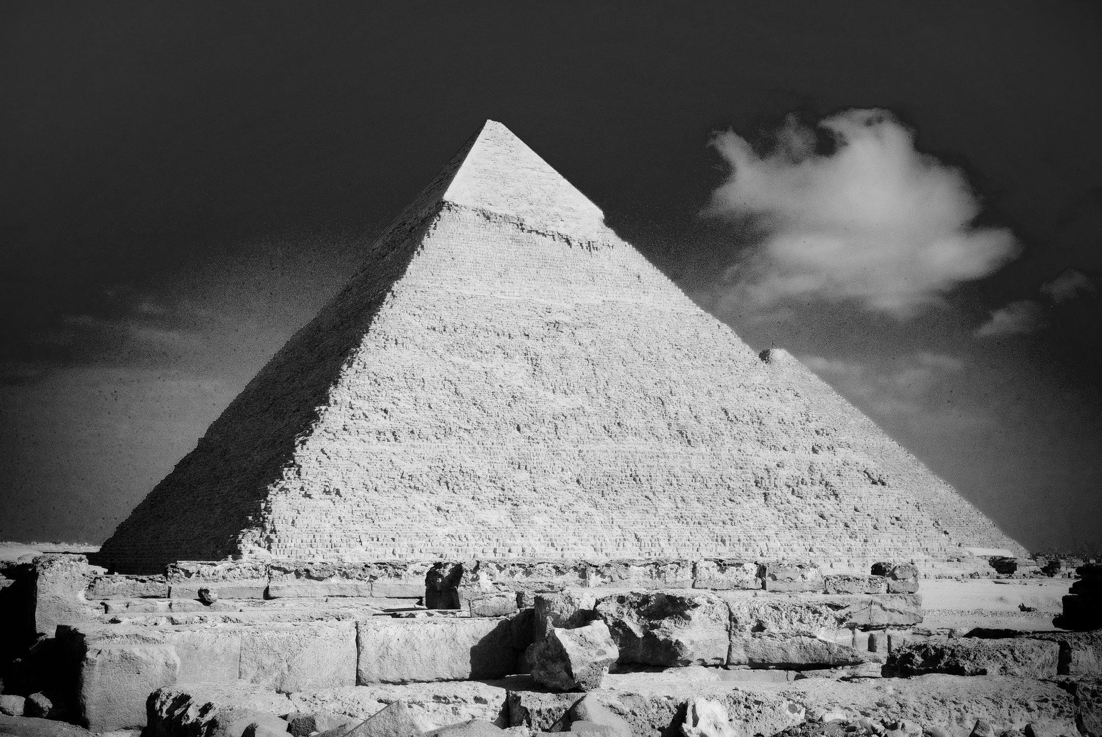 B&W Pyramid III
