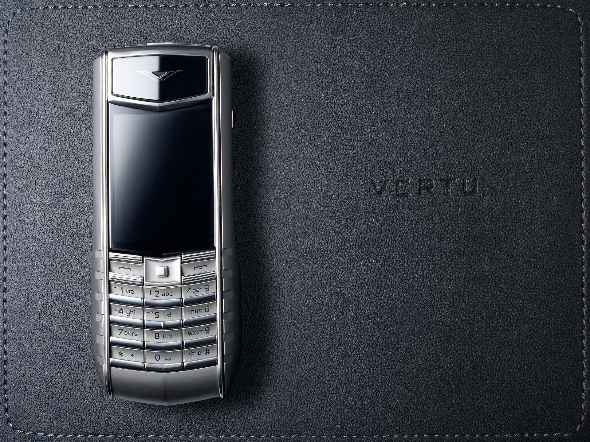 VERTU-com.jpg