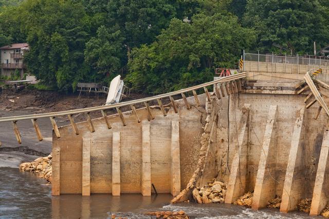 Lake Delhi Dam Along the Maquoketa River