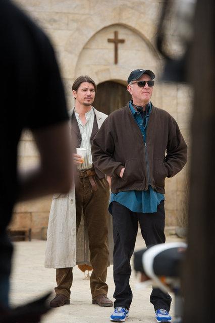 Josh Hartnett with Director Joseph Ruben