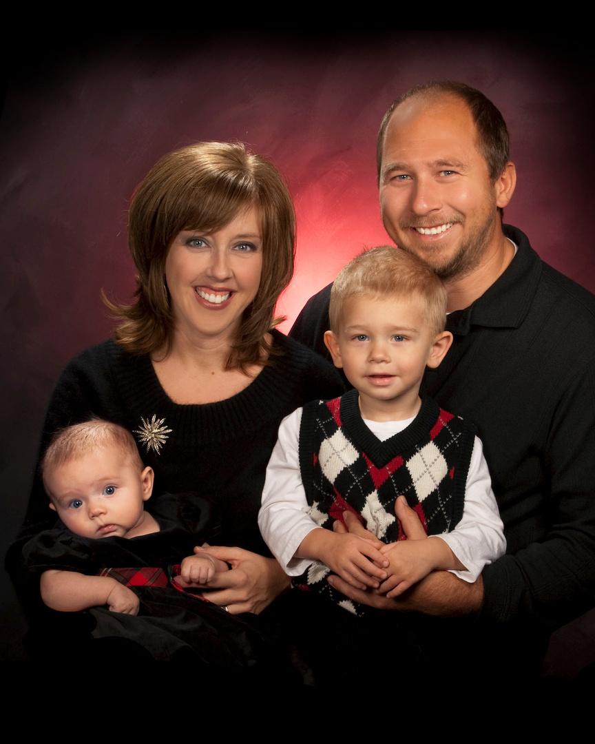 BHSTUDIO20100028family final.jpg