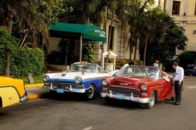 Ford & Chevy Convertables, Havana