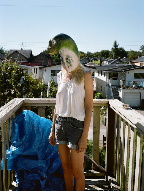 18_jen pretending to be a dinosor.jpg