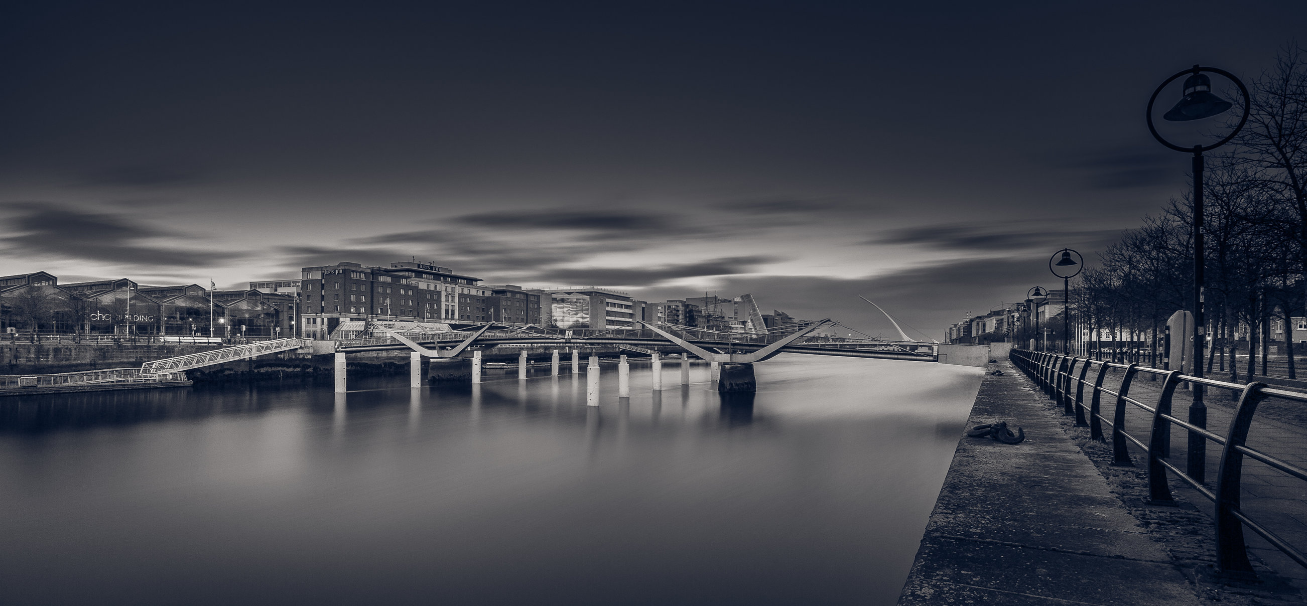 Docklands panoramic blue-1.jpg