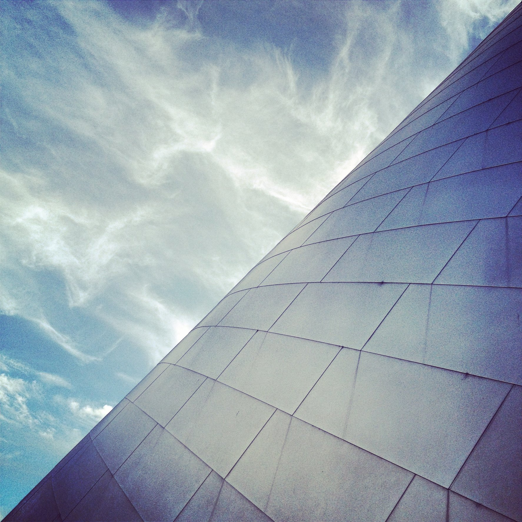 WALT DISNEY CONCERT HALL - BLUE 20
