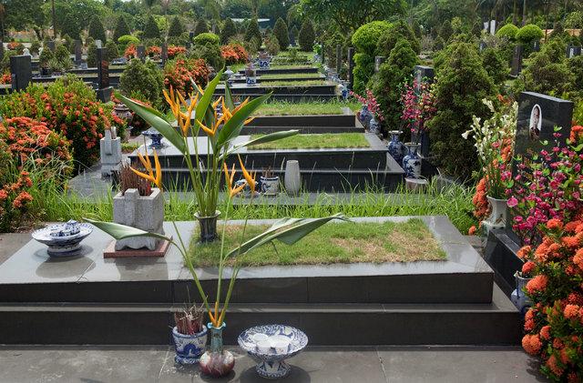 martyr graves VBP.jpg