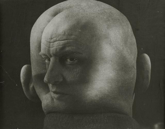 med_georgi-petrusov-portrait-of-aleksandr-rodchenko-1933-jpg.jpg