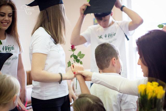 019_4vejai_Lik sveika mokykla2014_web.JPG