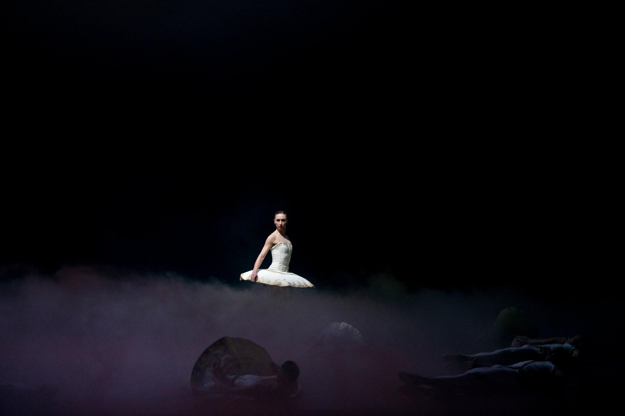 tyll choreography by alexander ekman