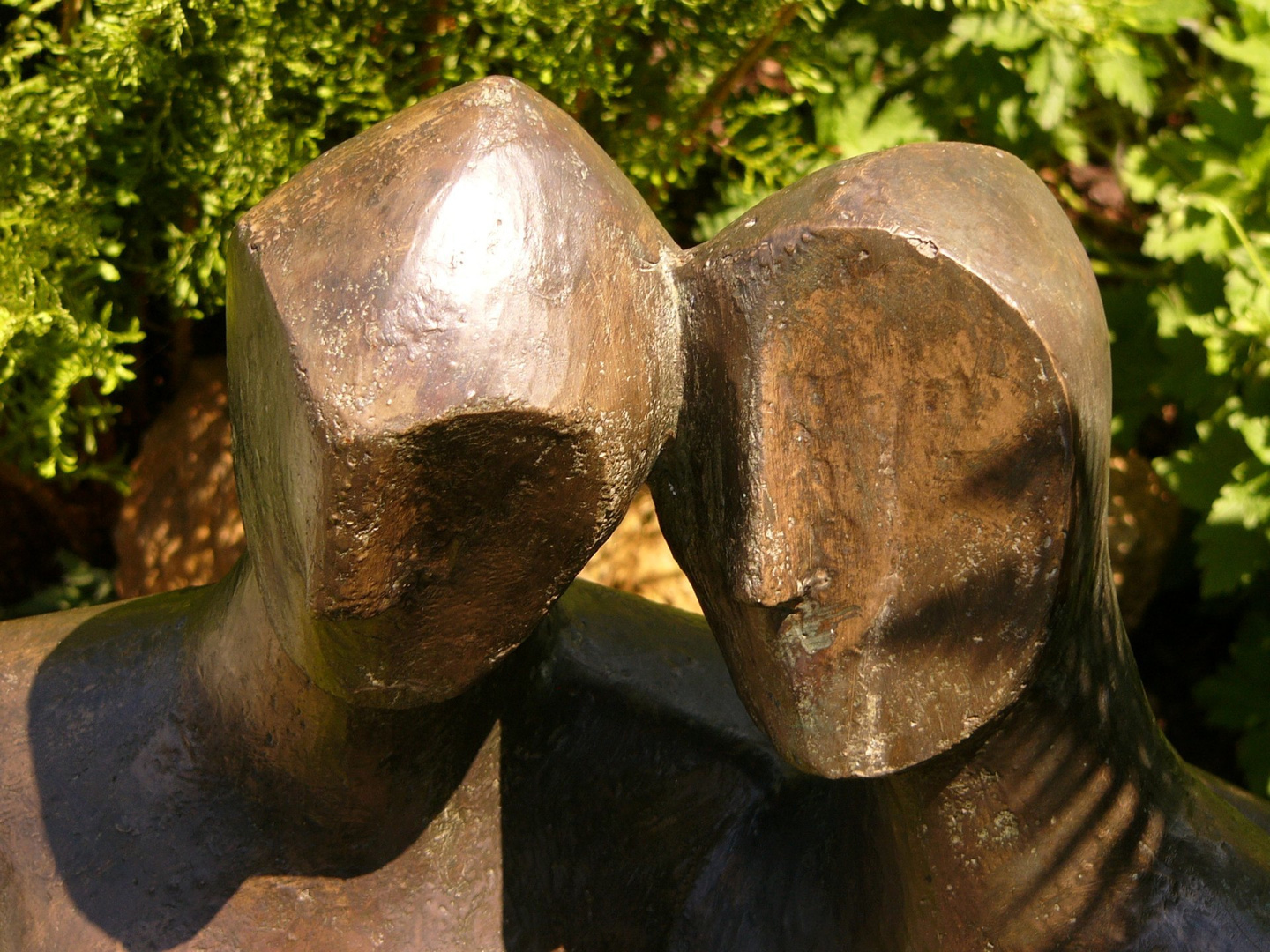 Etruscan couple 1  2005   67 x 60 x 20cm   Bronze Resin   Detail @Simon Morgan