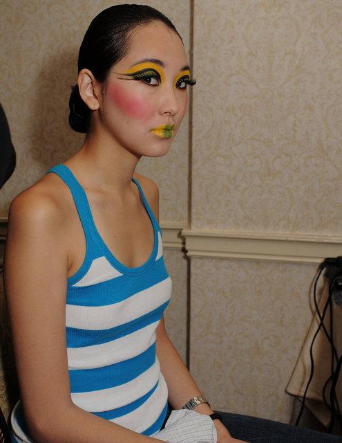 fashionweeksept2009backstage012.JPG