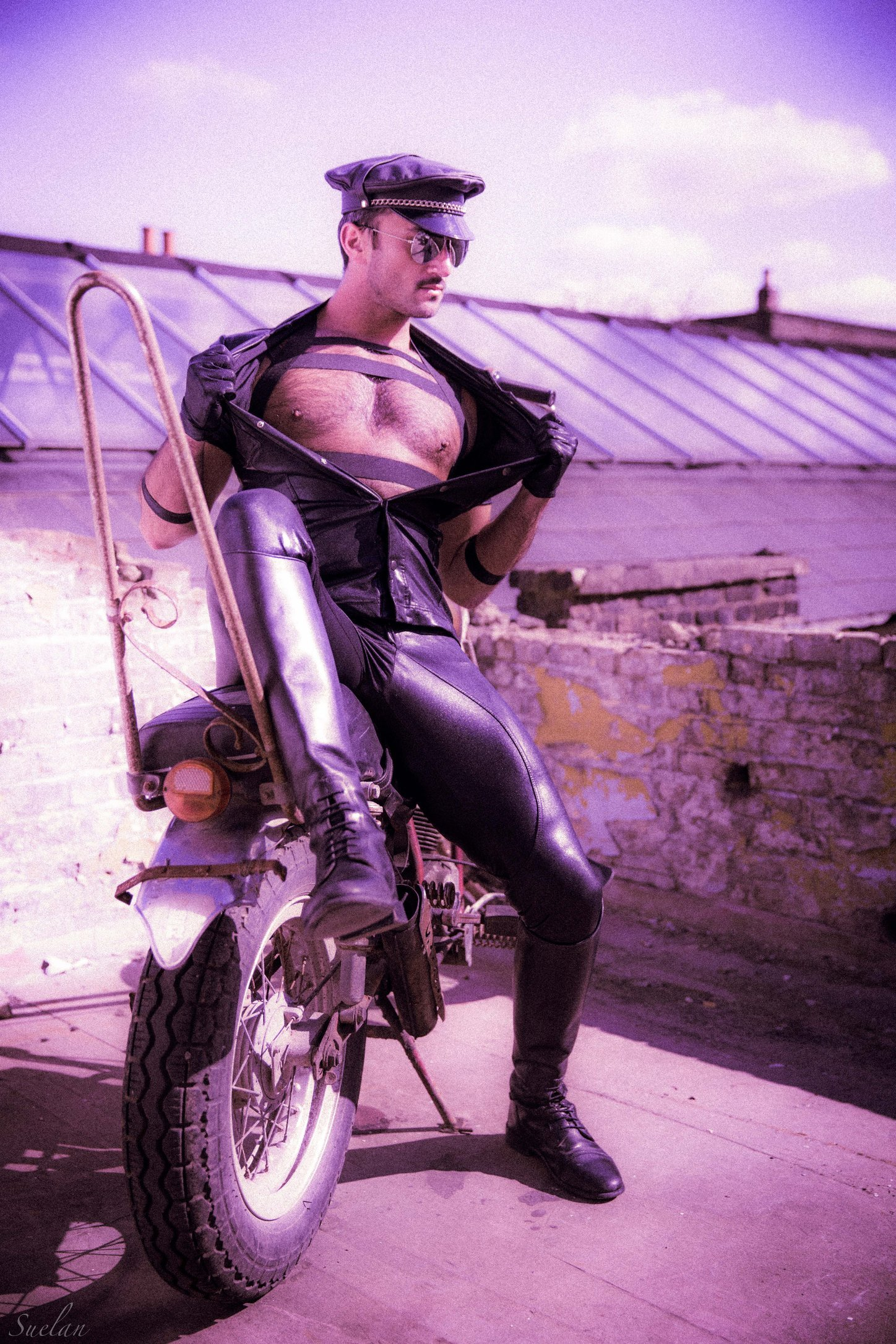 Phil InGud as Tom Finland wearing Slickitup