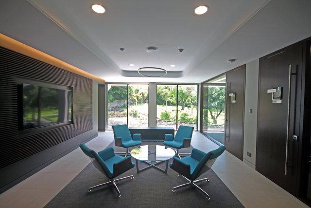 Bermuda Commercial Bank - Interior detail