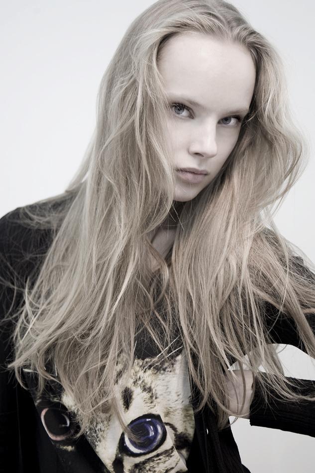 White portrait, ph: Cindy Gravelat