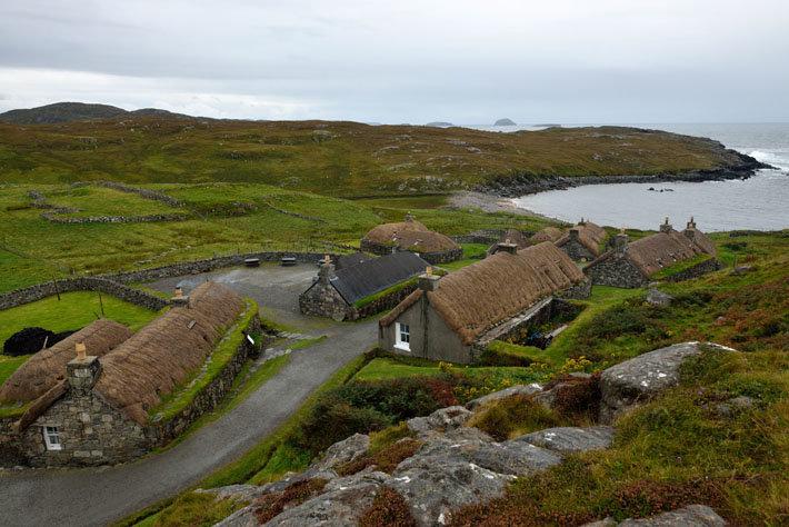 Hébrides extérieures, île de Lewis, black-houses village