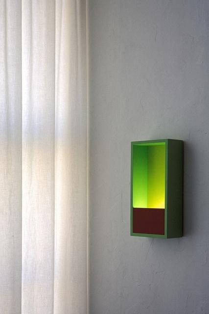 'Delft' wall lamps.