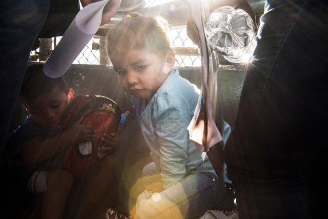 I bambini delle due famiglie richiedenti asilo_accompagnate da Annunciation House__DSC6218.jpg