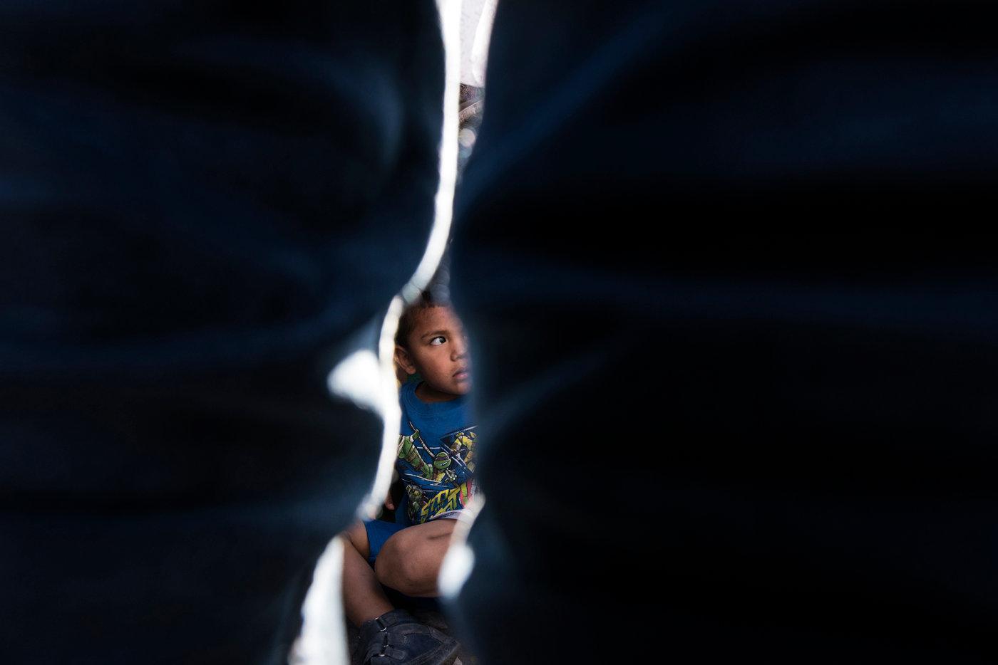 El Paso. Border with Mexico. Child.