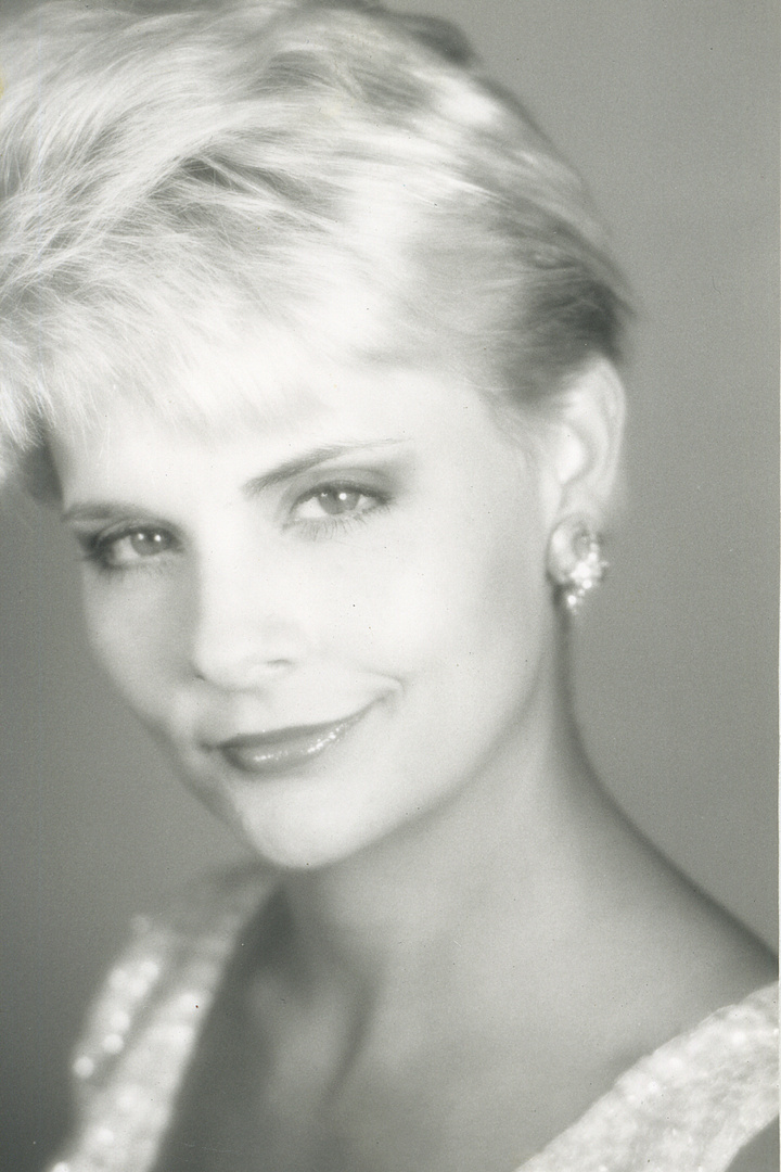 MISS SOUTH CAROLINA -  SHERRY THRIFT  She was also 1st runner up to MISS AMERICA.