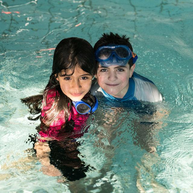 Begleitung-Flüchtlinge-schwimmen-38.jpg