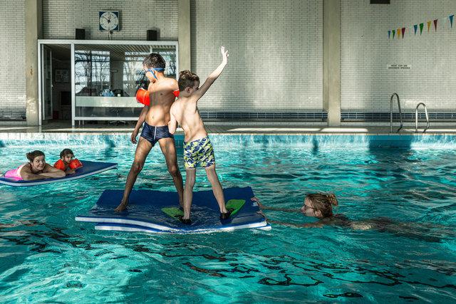 Begleitung-Flüchtlinge-schwimmen-44.jpg