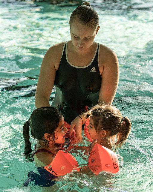 Begleitung-Flüchtlinge-schwimmen-14.jpg