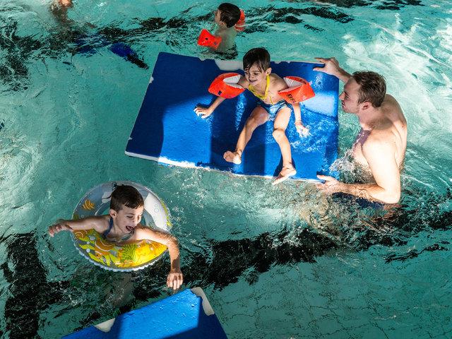 Begleitung-Flüchtlinge-schwimmen-24.jpg