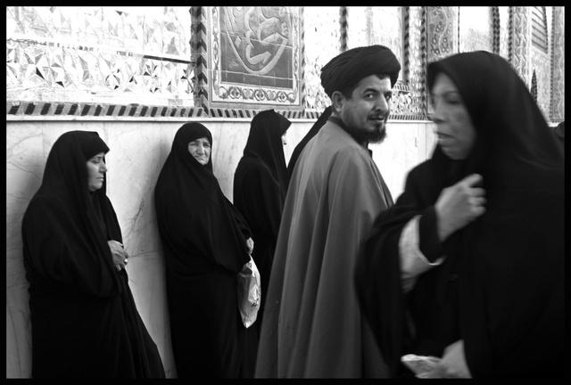 """Tchadors in Iraq"" -2003 - dans la grande mosquée"