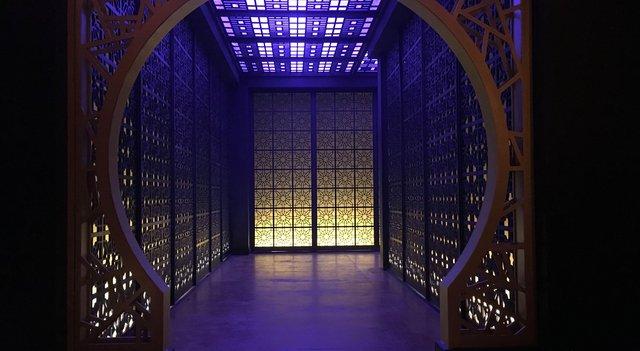 Int. Hong Kong Club - Studio Build set - VIP entrance
