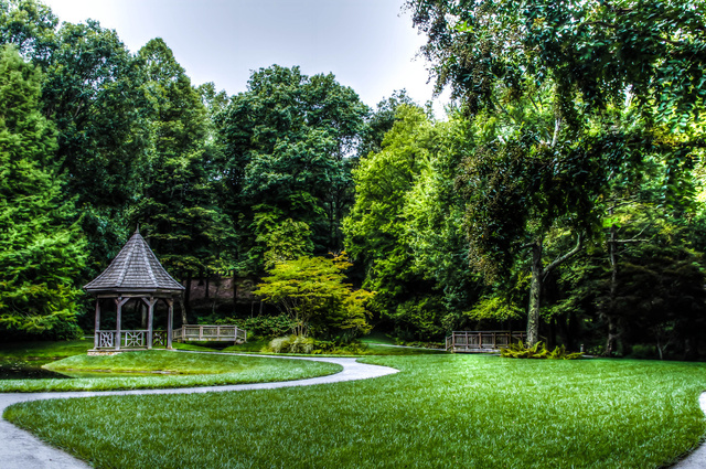 gazebo1lr_tonemapped-4.jpg
