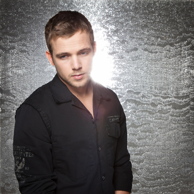 max thieriot, actor