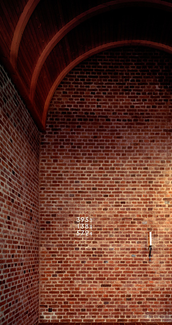 mp_interior bakvagg.jpg