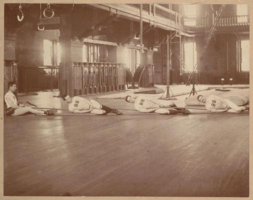 2011-05-18; Harvard tug of war team 1888.jpg