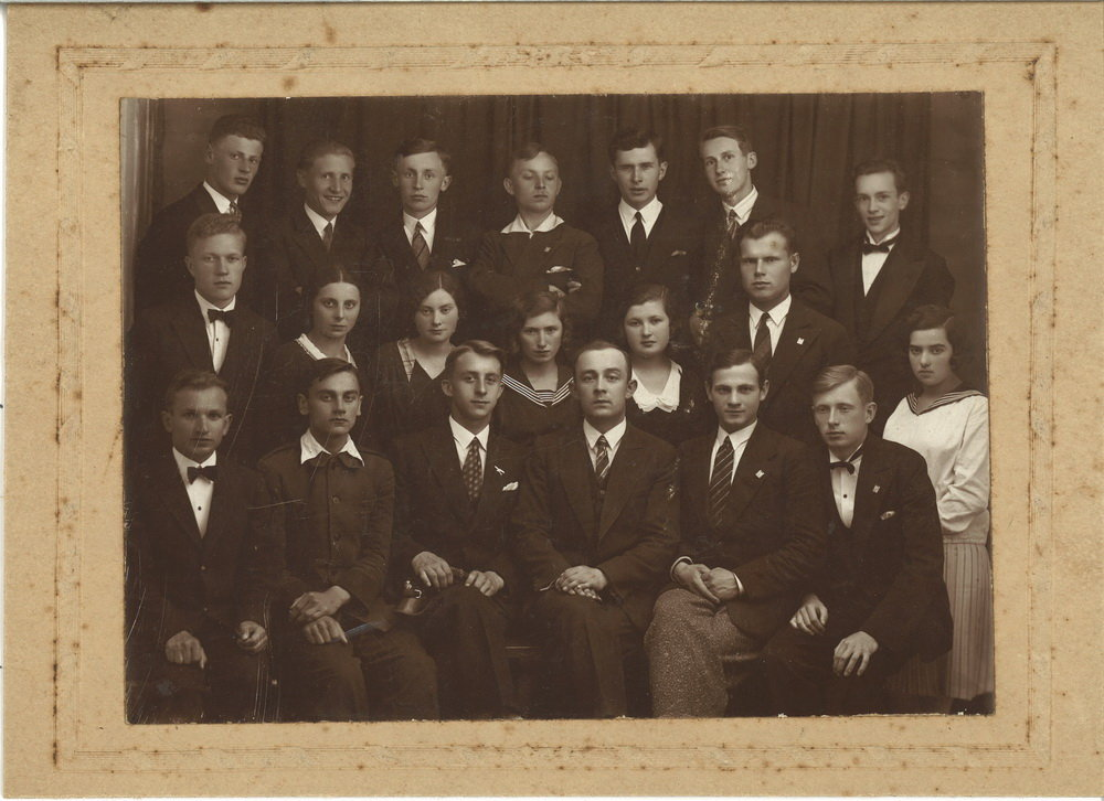 1932 Matura Nowogródek.jpg