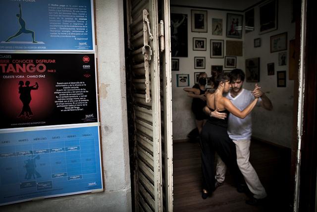 Tango-7.jpg