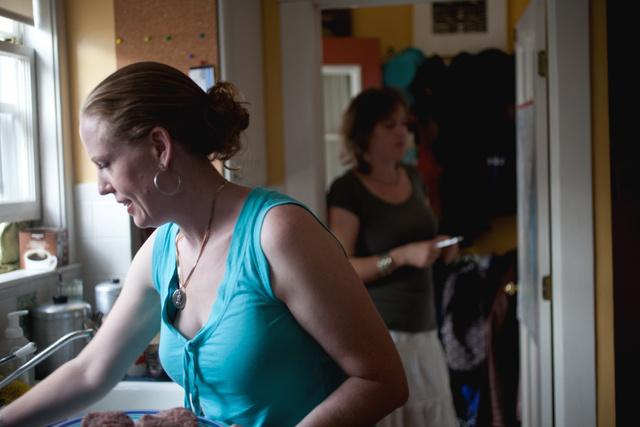2011.08.21 Laura and Johanna
