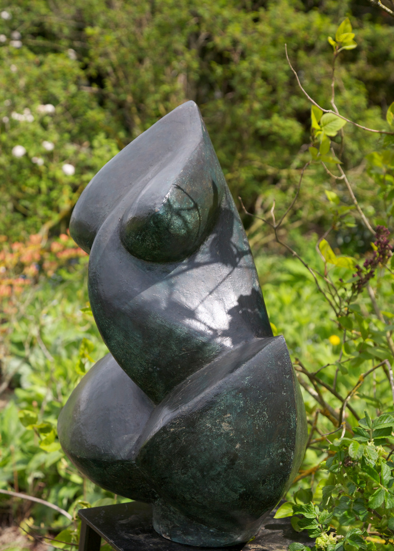 Abstract Torso 1993/2003   60 x 52 x 34cm  Bronze Resin  Kingham 2012