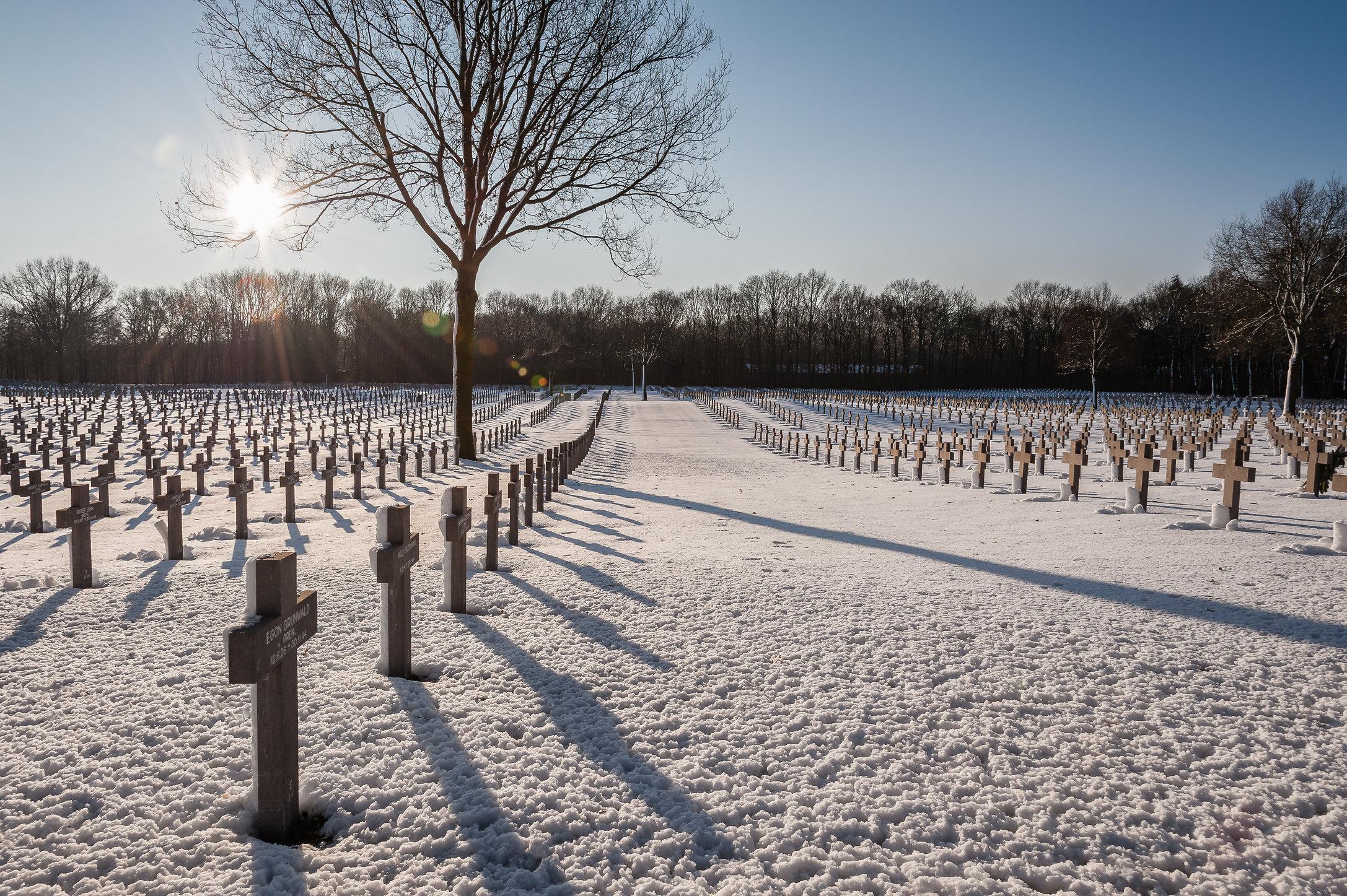 Winterse rust op het Duitse militaire kerkhof Ysselsteyn