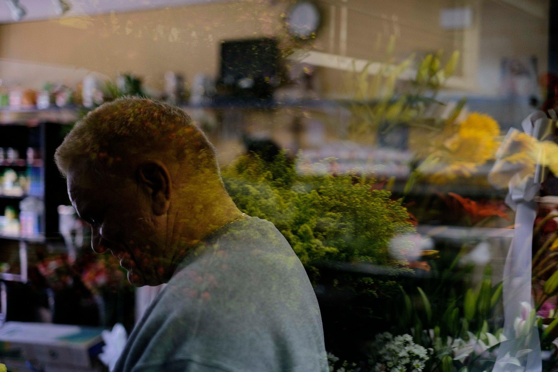 141108_MBElian_flowermen_010_sm.JPG