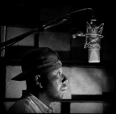 Simmons_Russel_Microphone.jpg