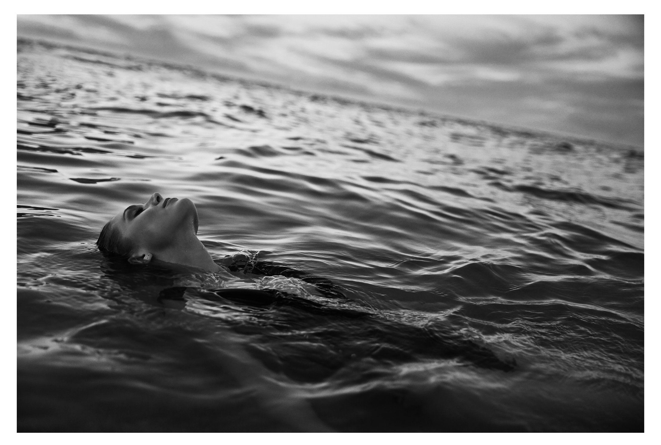 DM2A3390-copy-bw-photographer-nico-stipcianos-swim-shoot.jpg