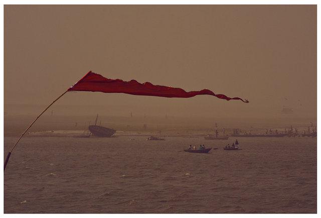 0017_india_Varanasi-shot_by_the-river_nicolas_stipcianos.jpg