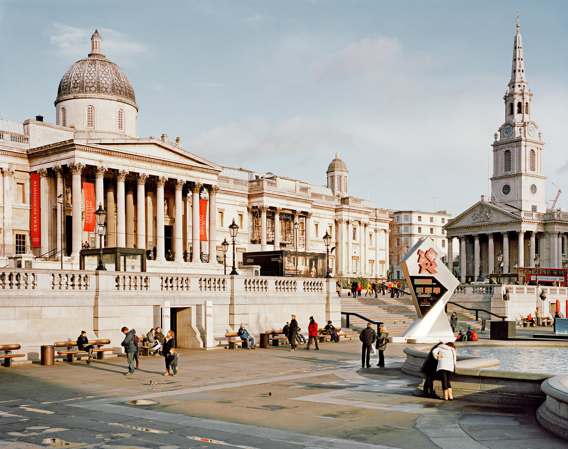 Trafalgar Sq, The National Gallery and St Martin-in-the-Fields