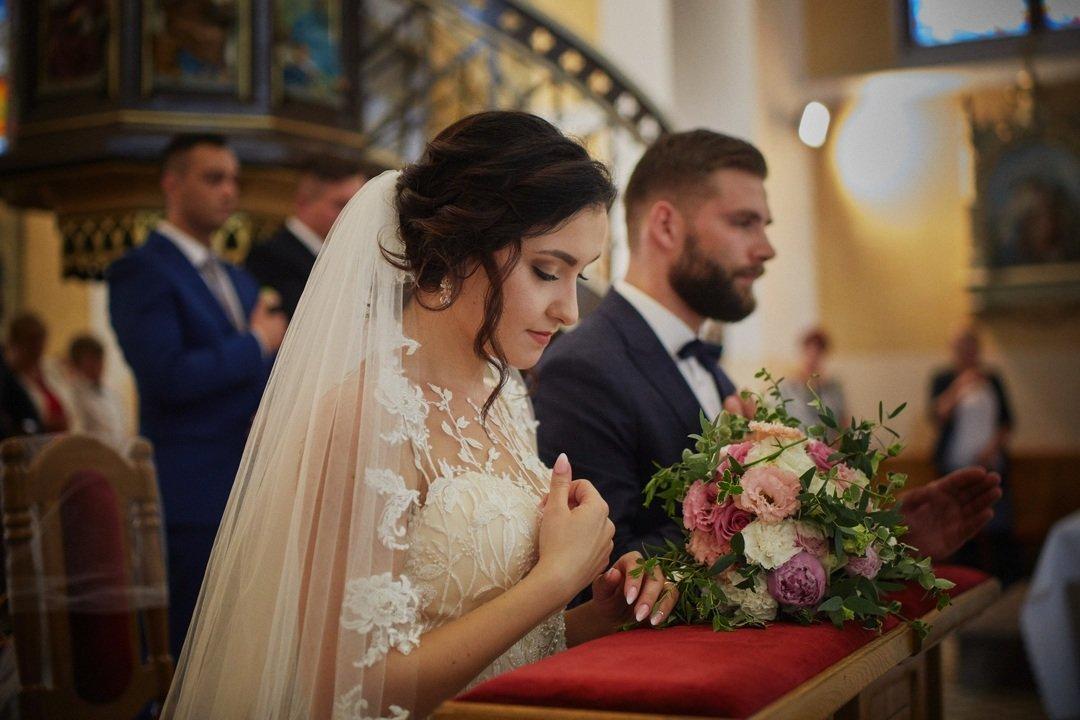 OL8A1037 intymne momenty na ślubie robert zbiec siedlce.jpg