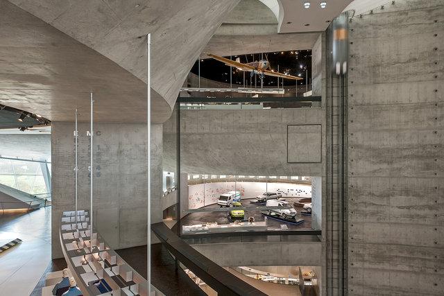 Museumsfotografie-Mercedes-Museum-5.jpg