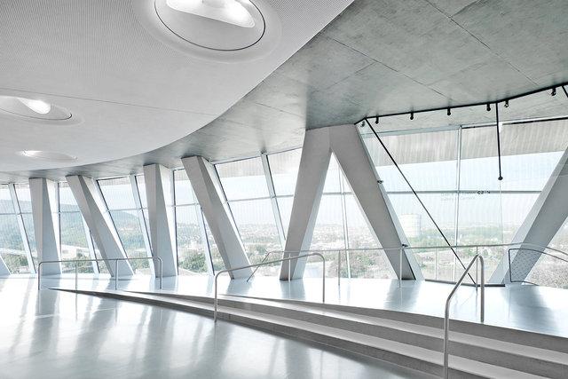 Museumsfotografie-Mercedes-Museum-1.jpg