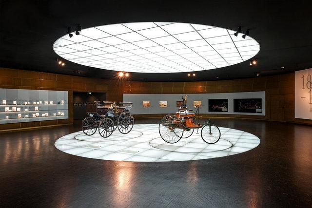 Museumsfotografie-Mercedes-Museum-8.jpg