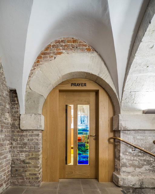 Crypt of Christchurch Spitalfields. Nicholas Hawksmoor and Dow Jones Architects